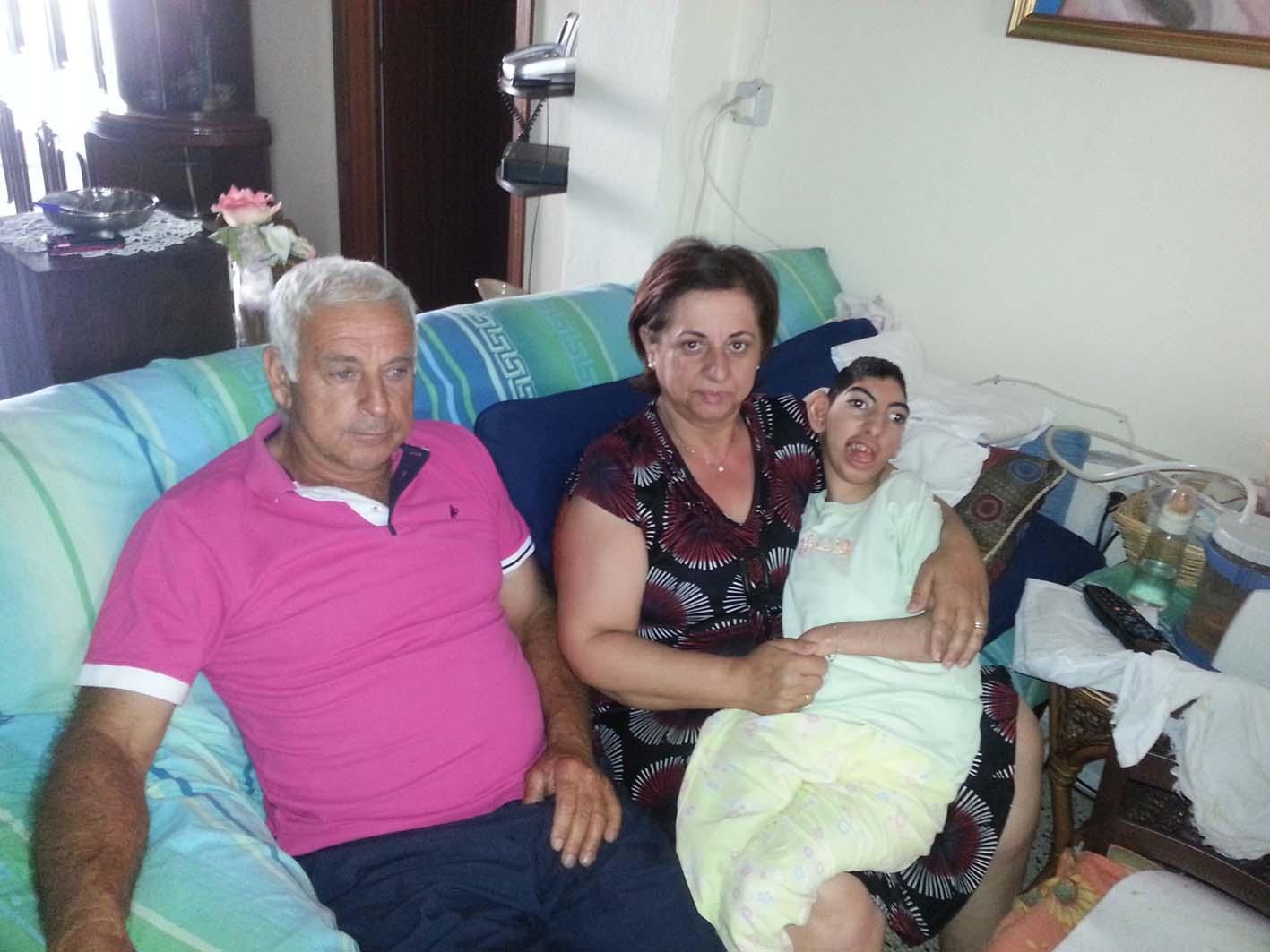 da sx, Leonardi Mauro, Filomena Seminara, e la figlia disabile Roberta Mauro