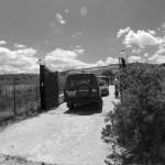 """L'ingresso al terreno dove era sepolto il corpo di """"Zio Ciccio""""."""