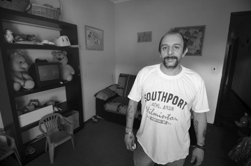Dice di non sapere niente:  Rocco Dibernardi, 44 anni, camionista disoccupato, è finito in carcere con l'accusa di spaccio internazionale di sostanza stupefacente, reato che prevede fino a 20 anni di carcere.