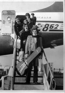 """Il talento dei """"Nuovi Angeli"""" è stato consacrato anche da lunghe tournée negli Stati Uniti, la patria del rock n' roll, e in paesi lontani come Australia e Corea."""
