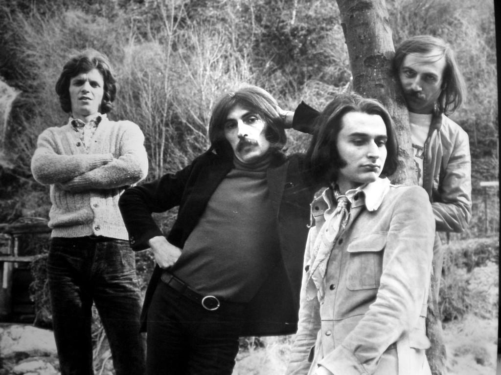 """Paki Canzi e soci, tutti rigorosamente """"capelloni"""", secondo i dettami delle mode del tempo, hanno conosciuto un successo travolgente fin dall'inizio della loro carriera."""