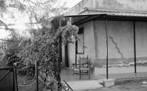 La villetta teatro del crimine, nelle campagne di Adrano, in provincia di Catania.