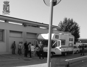 Il camper di seconda mano regalato ai coniugi Dibernardi per recarsi in Turchia e caricare la droga è stato fermato dalla polizia all'arrivo al porto di Ancona.