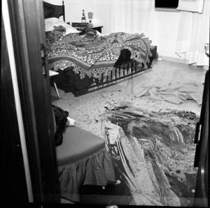L'appartamento mostrava ovunque scie e chiazze di sangue.