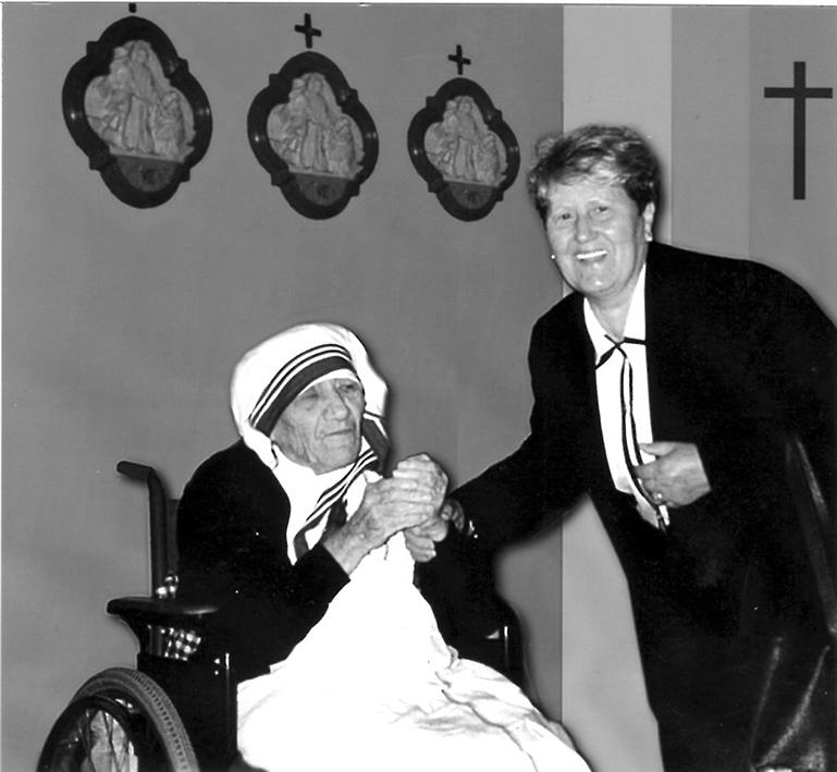 La devota ha anche incontrato Madre Teresa, a Roma, e ha consegnato alla suora un messaggio divino da lei ricevuto.