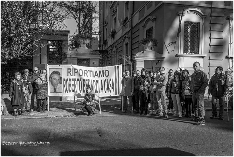 Manifestazione organizzata a sostegno di Roberto Berardi.