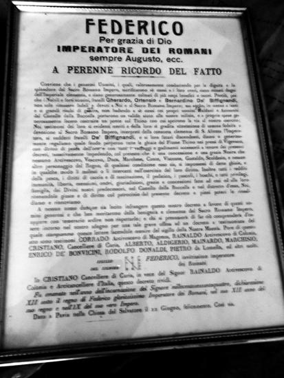 La traduzione italiana della pergamena che attesta il privilegio ottenuto dalla famiglia Biffignandi dall'imperatore Barbarossa.