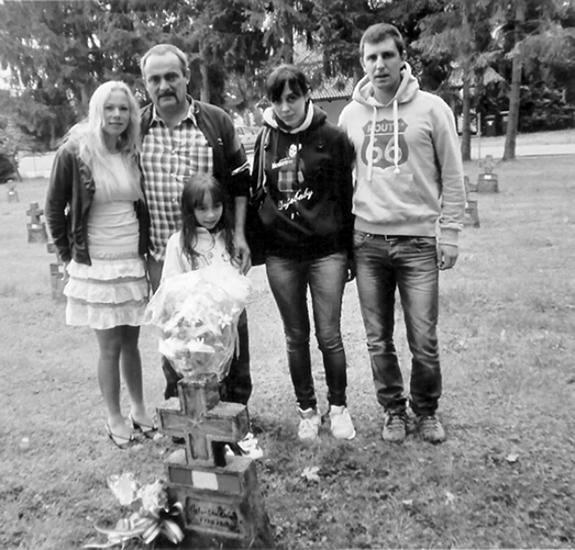 In questo viaggio nei ricordi e nella nostalgia, Ugo Costantino è stato accompagnato dalla sua famiglia.
